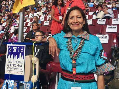 Usa, prima donna nativa americana candidata al Congresso