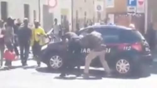 """Salvini """"minaccia"""" gli aggressori dei carabinieri: """"Devono avere paura"""""""