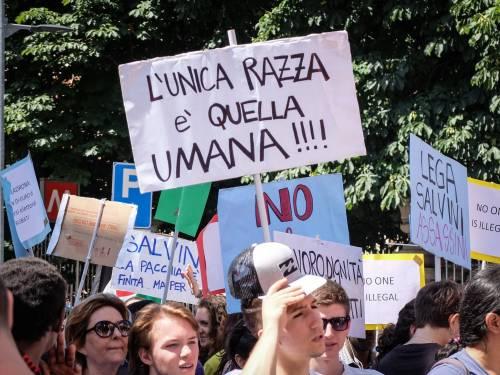 Stranieri e sinistra in corteo contro Salvini 7