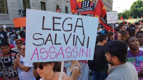 Stranieri e sinistra in corteo contro Salvini 11