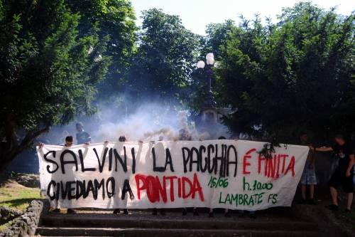 Stranieri e sinistra in corteo contro Salvini 15