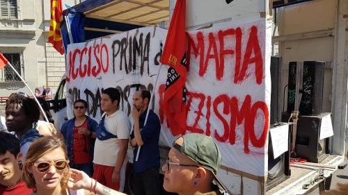 Stranieri e sinistra in corteo contro Salvini 3