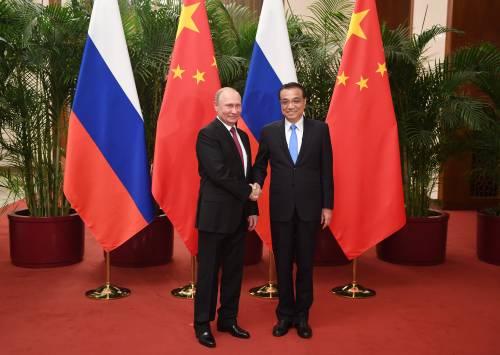 L'Ue? È vecchia. Putin al contro-vertice in Cina