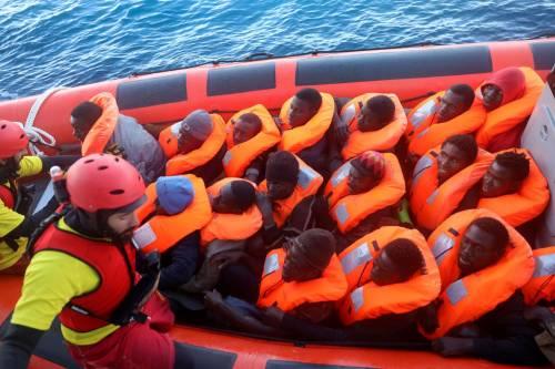 In due giorni salvati 1000 migranti: inviate tre motovedette di Lampedusa