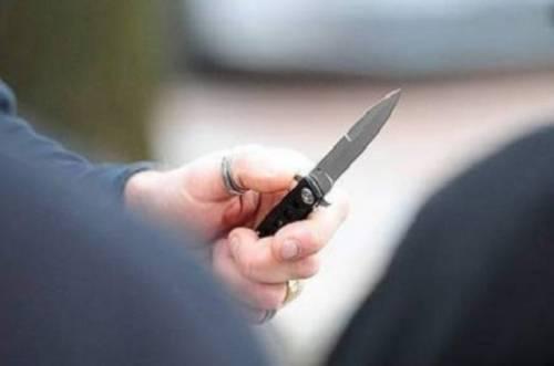 Milano, uccide la compagna con una coltellata al petto dopo una lite