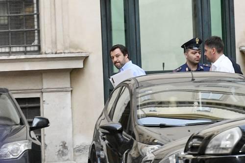 """Aquarius, la sinistra europea: """"Salvini? Un poveretto"""""""