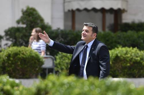 """Migranti, Centinaio: """"Blindare i porti italiani finché l'Europa non decide"""""""