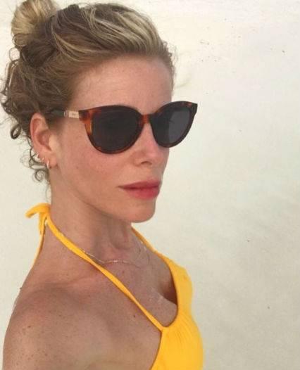 Alessia Marcuzzi bellissima al sole 7