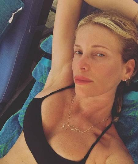Alessia Marcuzzi bellissima al sole 4
