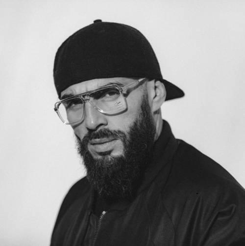 Al Bataclan il rapper che canta la jihad: polemica in Francia