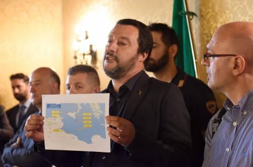 """Salvini e la rotta dell'Aquarius: """"Domenica arriverà in Spagna"""""""