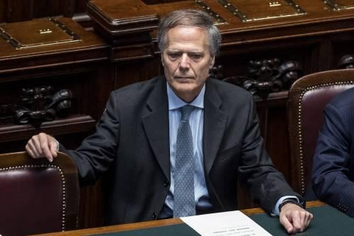 """Scontro Italia-Francia, Moavero convoca l'ambasciatore: """"Relazioni compromesse"""""""