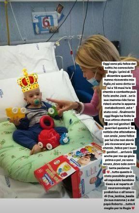 """Elena Santarelli insieme a un bimbo ricoverato con il figlio: """"A 18 mesi Regis ha finito la chemio"""""""