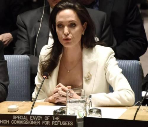 Angelina Jolie, le foto dell'attrice e regista 10