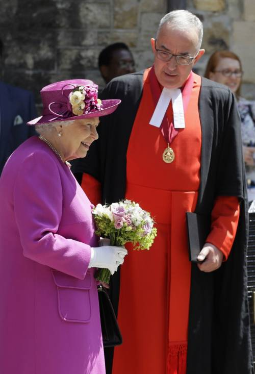 Regina Elisabetta II, le foto del capo del Regno Unito 7