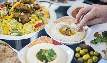 Cagliari, mensa universitaria, cibo arabo per tutti gli studenti