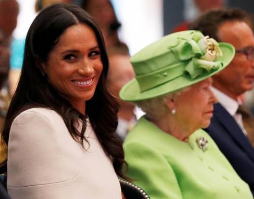 Meghan Markle con la regina nel Chershire 8