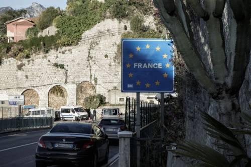 Le immagini che incastrano Macron 14