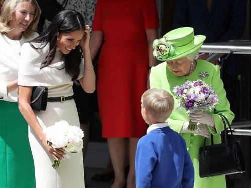 Meghan Markle con la regina nel Chershire 9