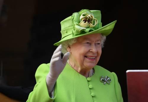 Meghan Markle con la regina nel Chershire 2
