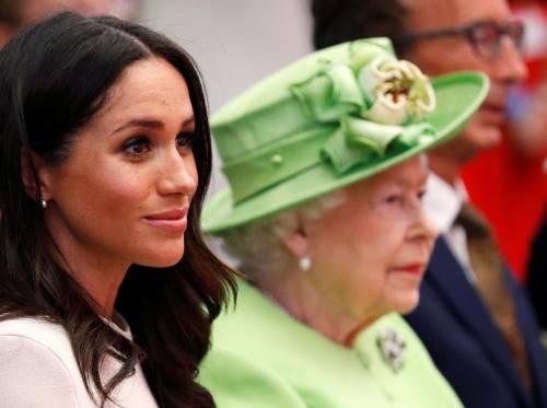 Meghan Markle con la regina nel Chershire 7