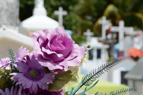 Il morto è vivo e vegeto: la moglie denuncia il decesso dell'uomo sbagliato