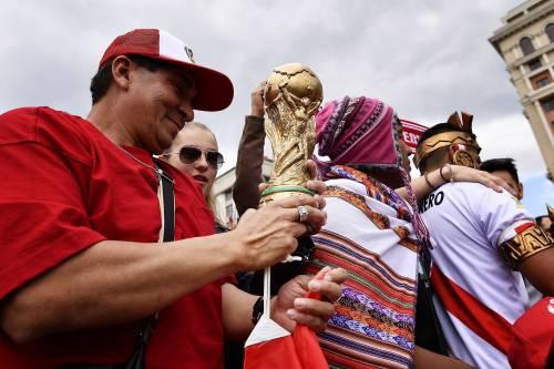 Follie... Mondiali: peruviano diventa obeso per entrare allo stadio