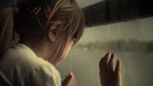 Bagheria, violentata per 12 anni dal padre-orco, madre sapeva tutto