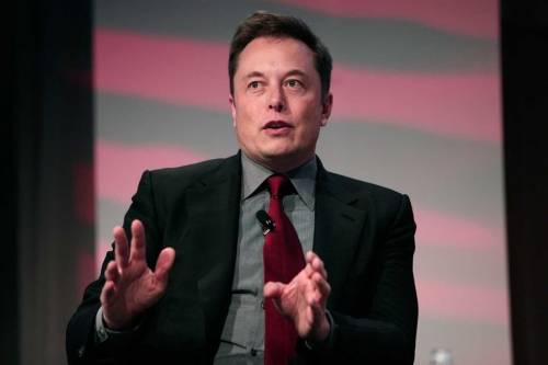 Tesla, accusato di frode Musk lascia la guida e paga una multa
