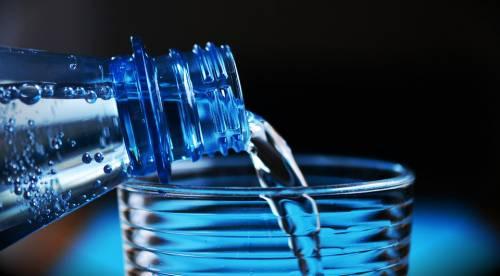 L'acqua è contaminata. Ritirato lotto San Benedetto