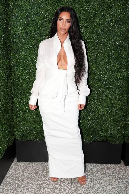 Kim Kardashian, gli scatti sexy 9