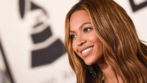 Beyoncé, le foto della sexy artista 10