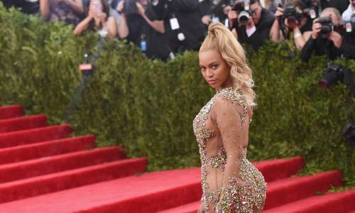 Beyoncé, le foto della sexy artista 6