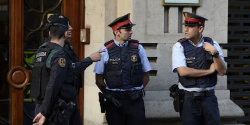 Spagna, auto contro la folla: ferite almeno tre persone