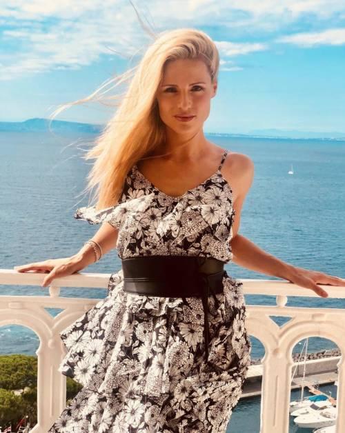 Michelle Hunziker sexy a Sorrento