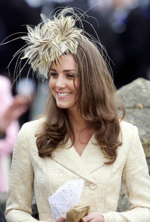 Kate Middleton, le foto della futura principessa 8