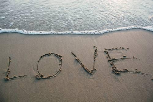 Estate: ecco perché ci si innamora di più