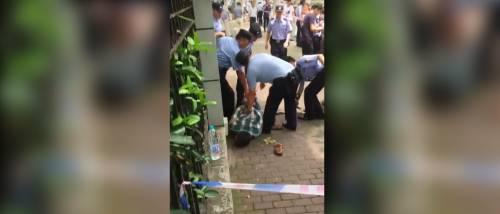 Cina: disoccupato uccide bambini fuori da una scuola