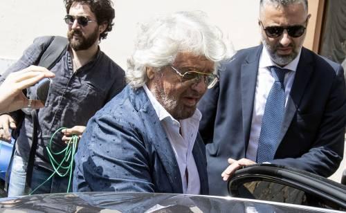 Follie di Grillo: sale in auto blu e vuole il sorteggio