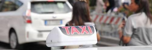 Aggredisce tassista che si rifiuta di farla salire: condannata trans