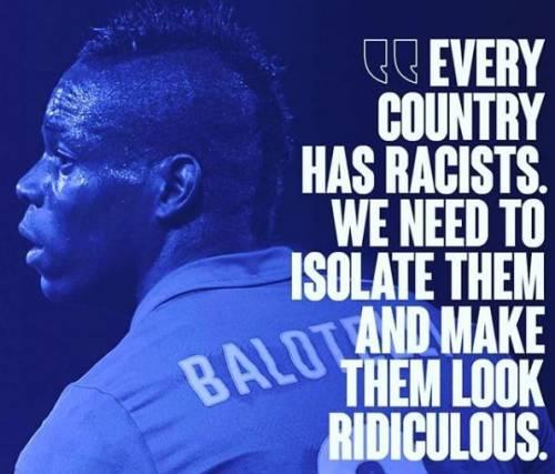 """Mario Balotelli non demorde: """"Isolare e ridicolizzare i razzisti"""""""