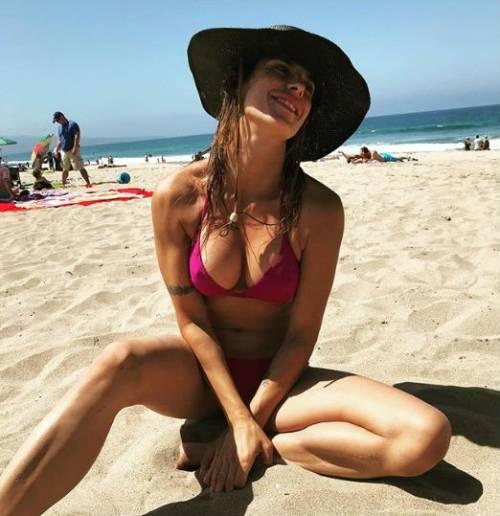 Elisabetta Canalis in costume su Instagram 9