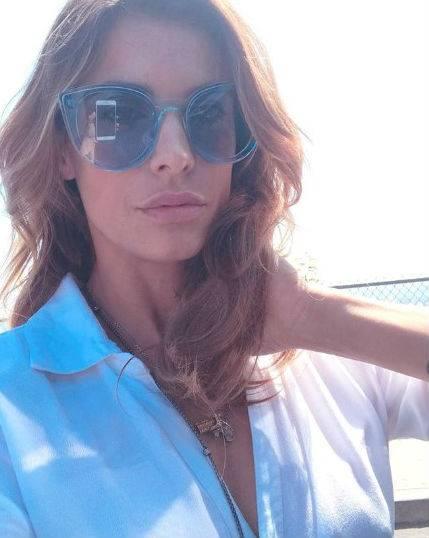 Elisabetta Canalis in costume su Instagram 5
