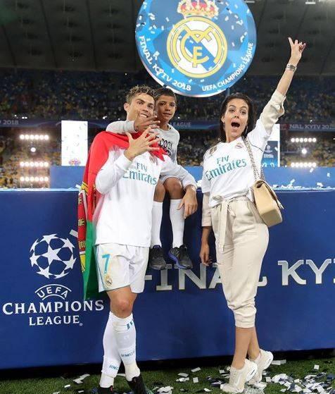 Georgina Rodriguez, la sexy fidanzata di Cristiano Ronaldo 11