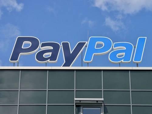 """Donna morta di cancro, PayPal si scusa: """"In contatto col vedovo"""""""