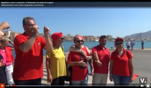 Trapani, per la Diciotti già schierate le magliette rosse dell'accoglienza