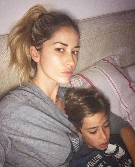 """Elena Santarelli: """"Non mostrerò mai più il viso di mio figlio sui social"""""""