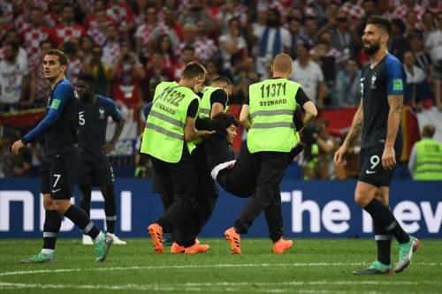 Invasione di campo durante la finale dei Mondiali 8
