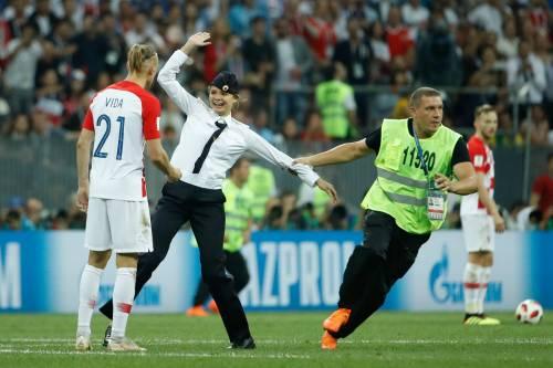 Invasione di campo durante la finale dei Mondiali 10