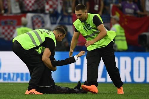 Invasione di campo durante la finale dei Mondiali 14
